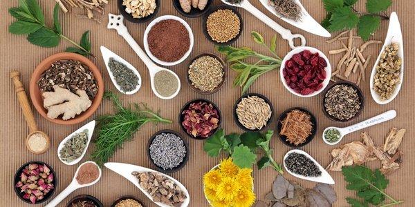 Билки при менопауза: наука на природотерапията